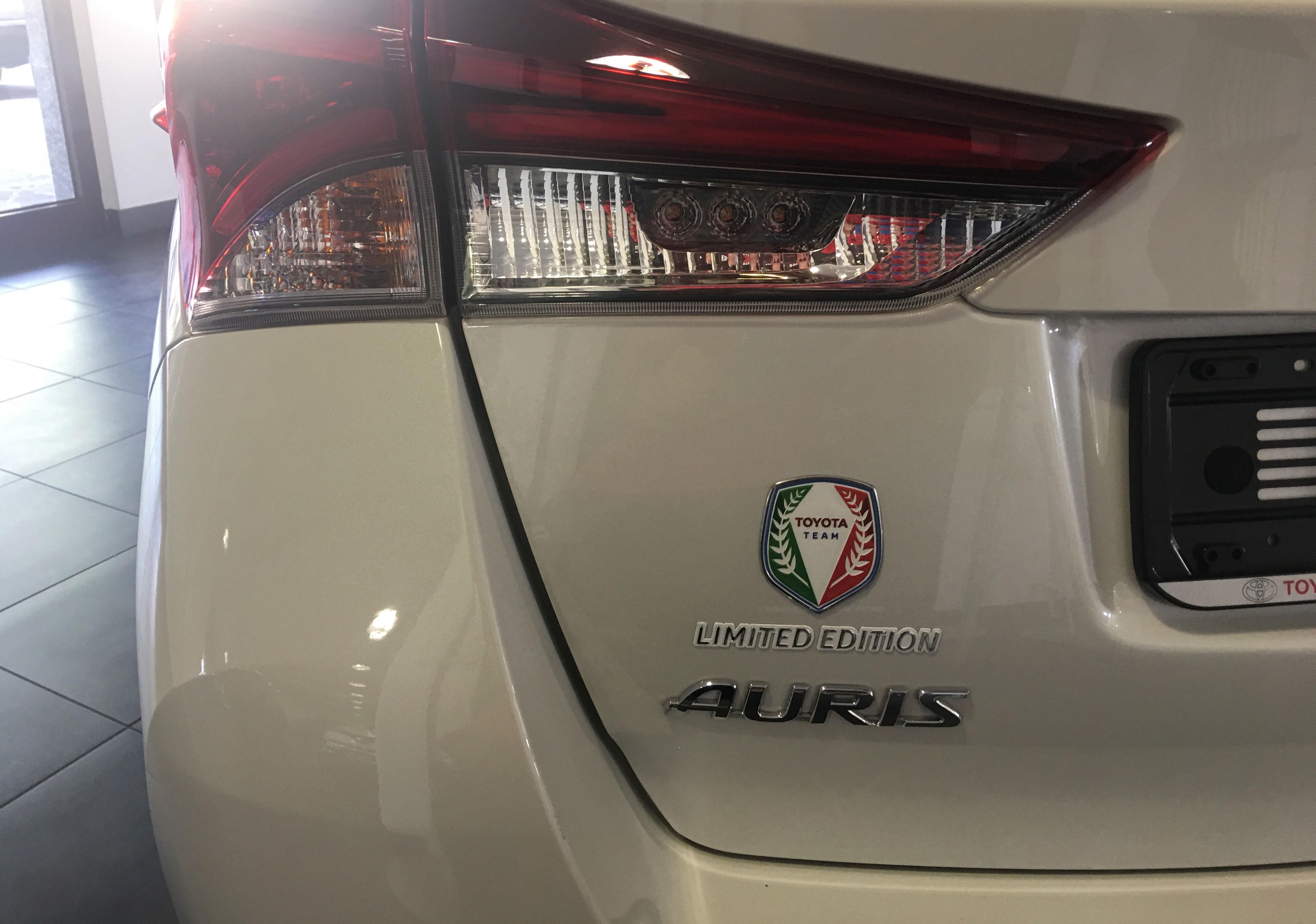 Foto della Toyota Auris Touring Sports Toyota team Limited Edition