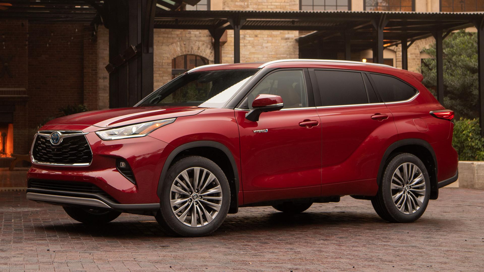 Toyota Highlander Hybrid 2021 rosso