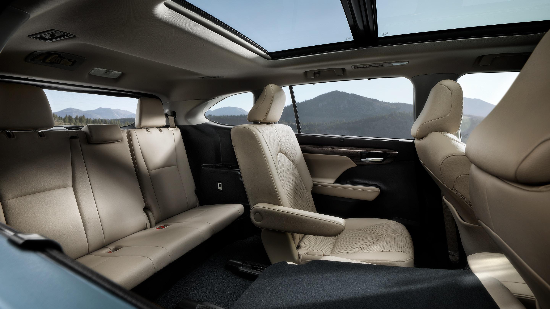 Sedili Toyota Highlander Hybrid 2021 7 posti