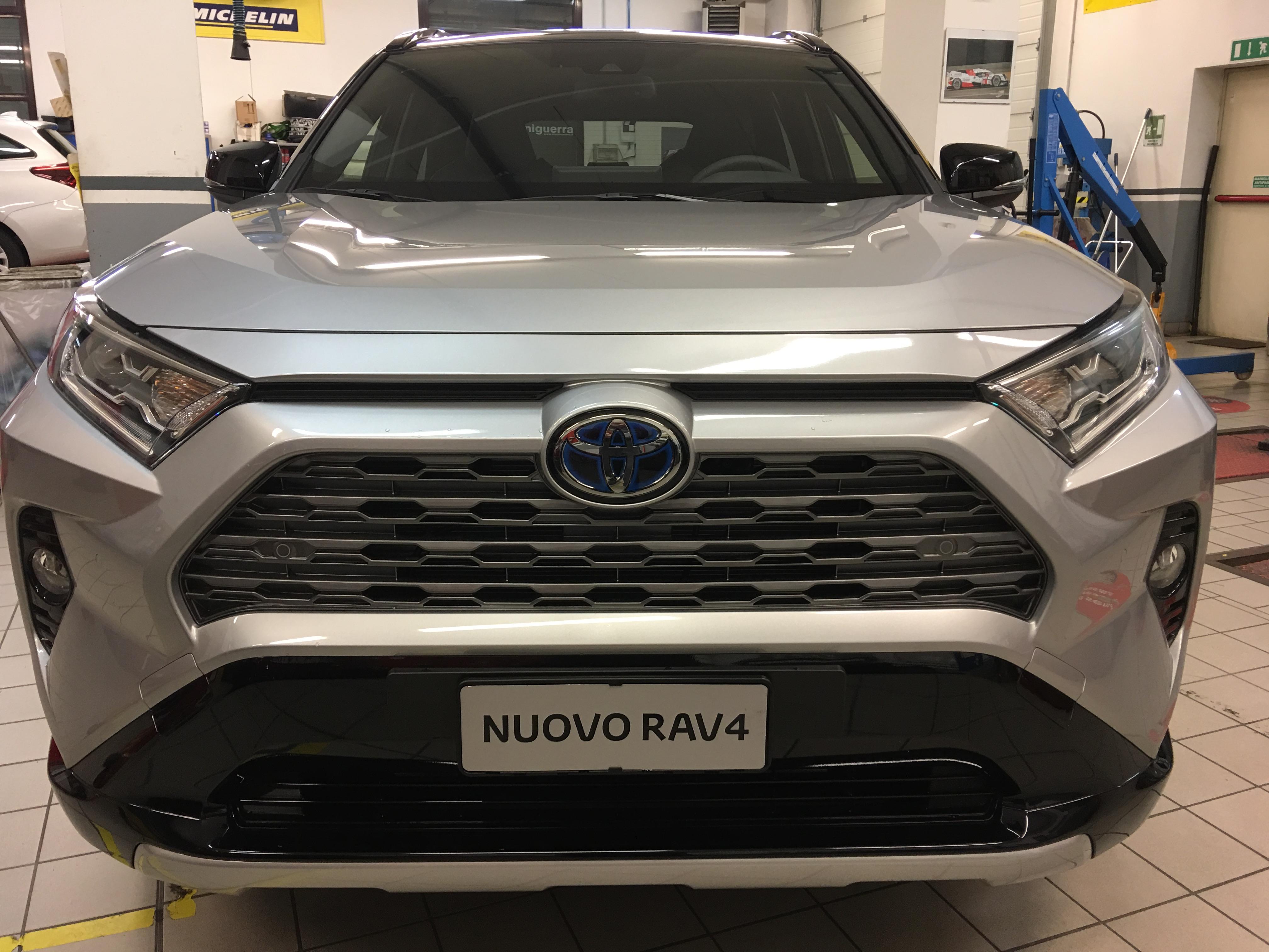 Foto del Nuovo RAV4 Hybrid 2019 Fronte