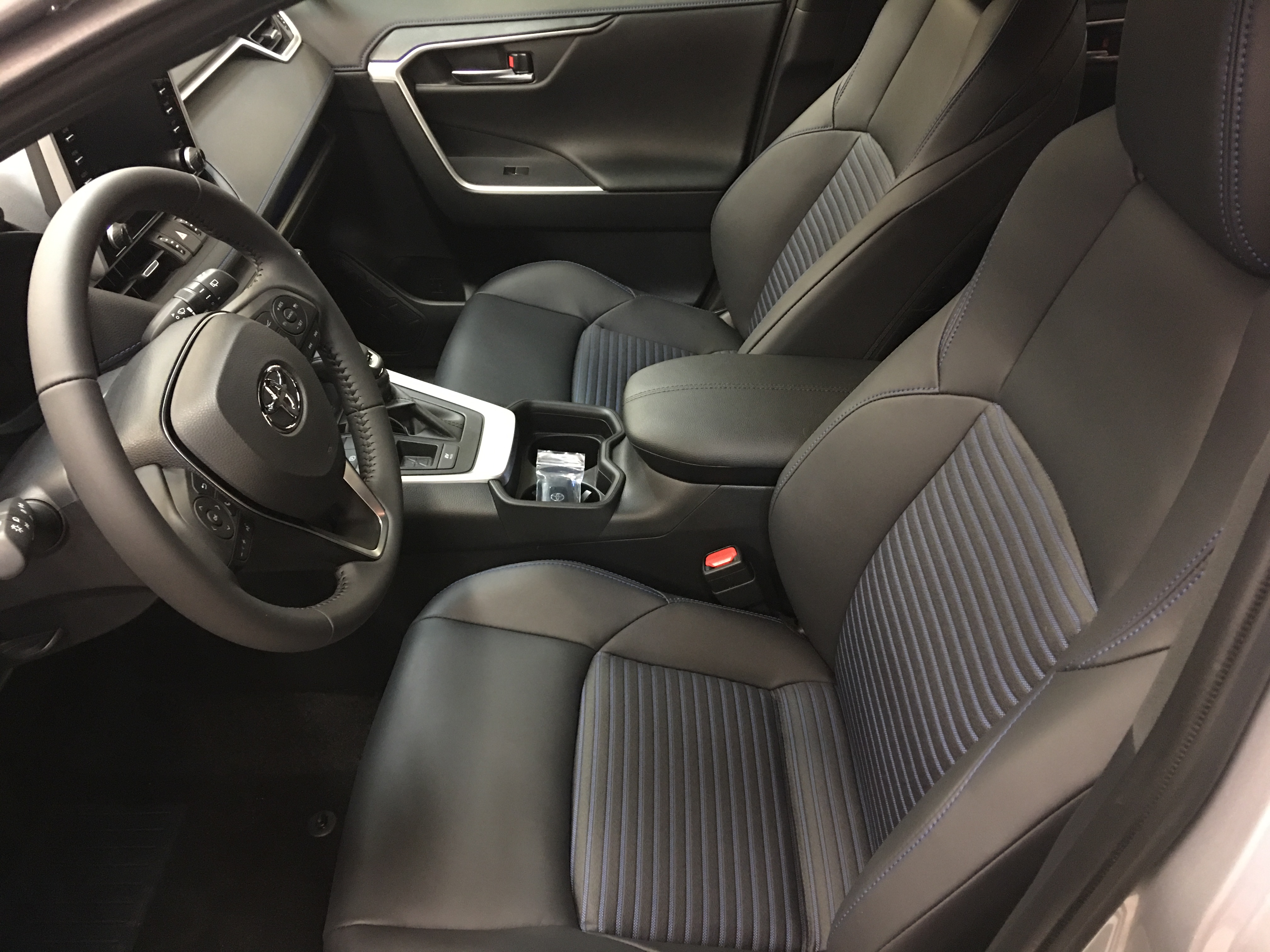 Sedili Nuovo RAV4 Hybrid 2019