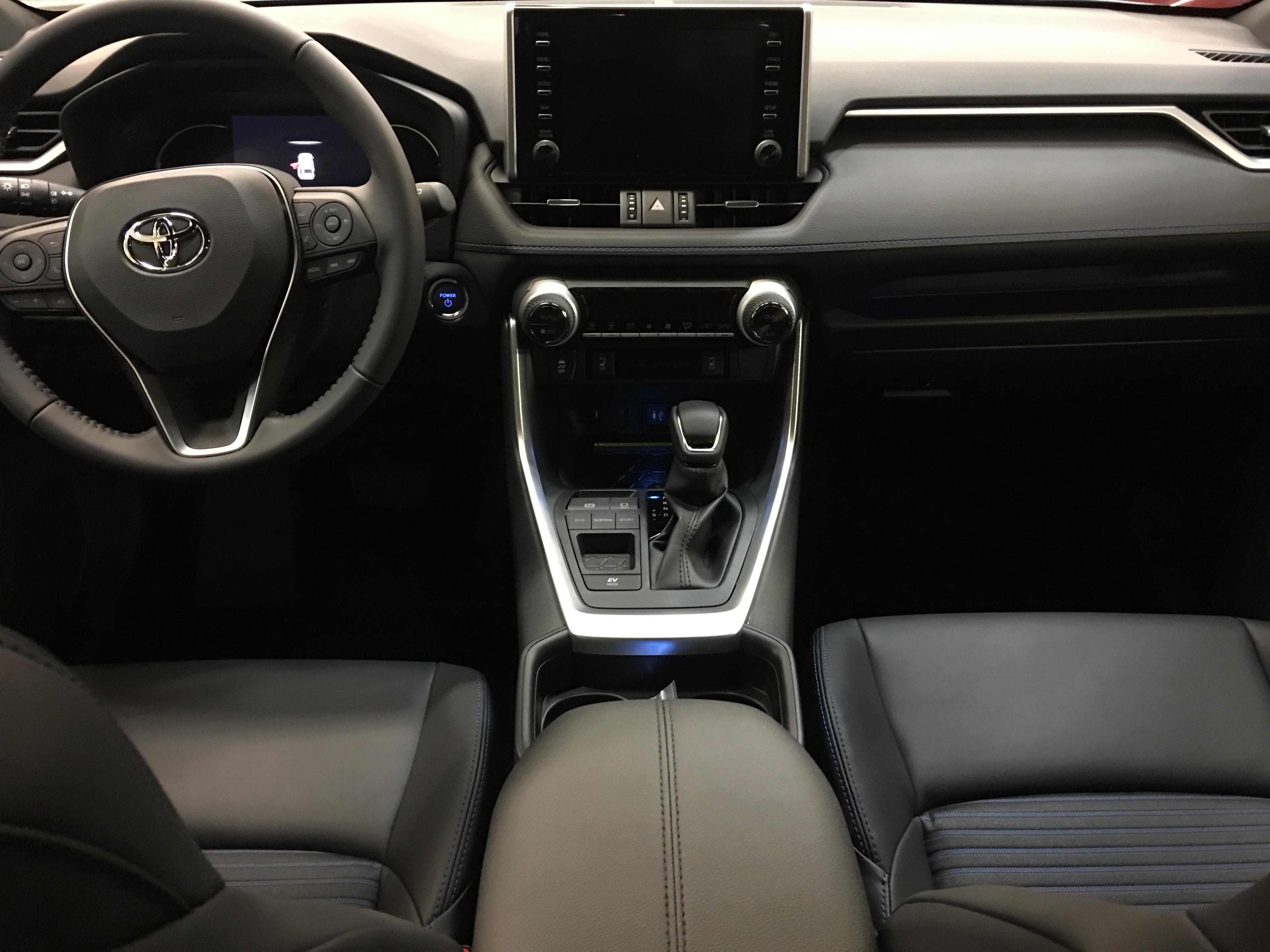 Interni Nuovo RAV4 Hybrid 2019