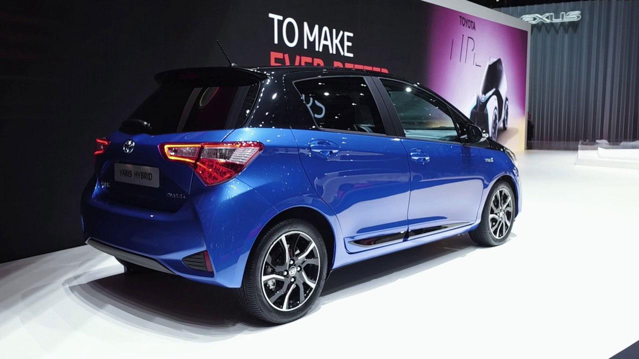 Foto della Toyota Yaris Hybrid 2018 Blue edition
