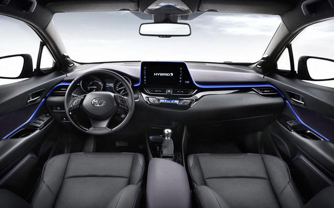 Foto degli interni del Toyota CHR