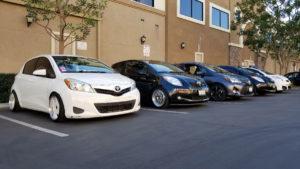Foto in cui ci sono diverse serie di Toyota Yaris