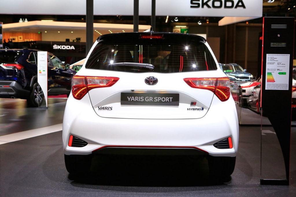 Foto della Toyota Yaris GR-S vista da dietro