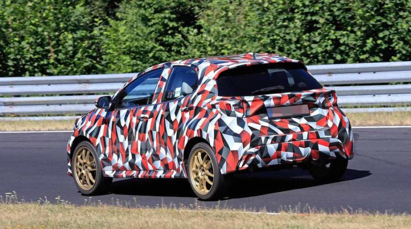 Toyota Yaris Hybrid 2020 da dietro